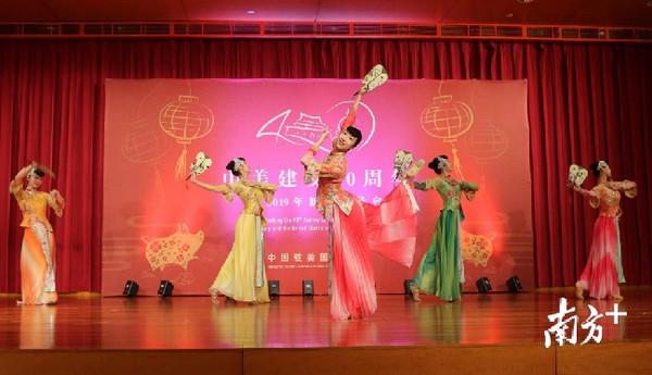 广东文化部门赴美国春节演出 岭南文化引热烈反响
